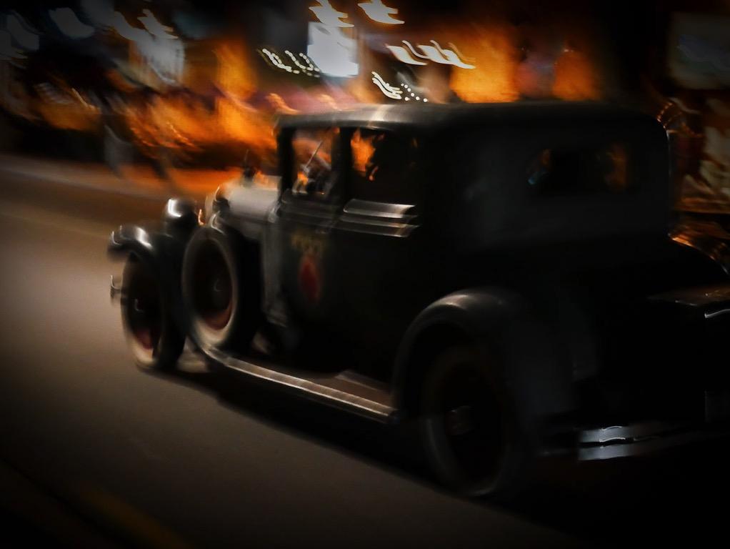 Wanaka by night - vintage car